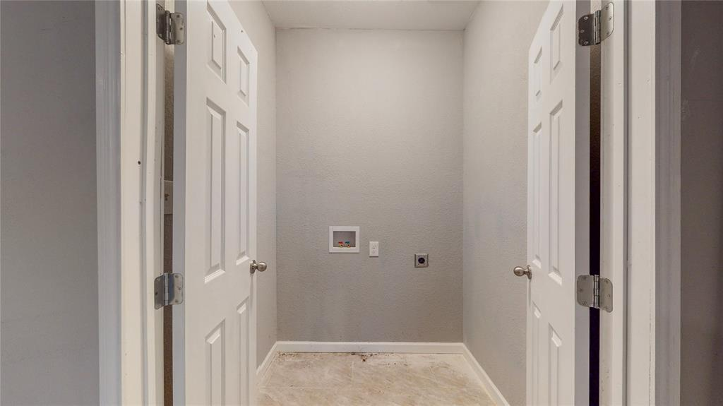 4835 Burnside Avenue, Dallas, Texas 75216 - acquisto real estate best highland park realtor amy gasperini fast real estate service