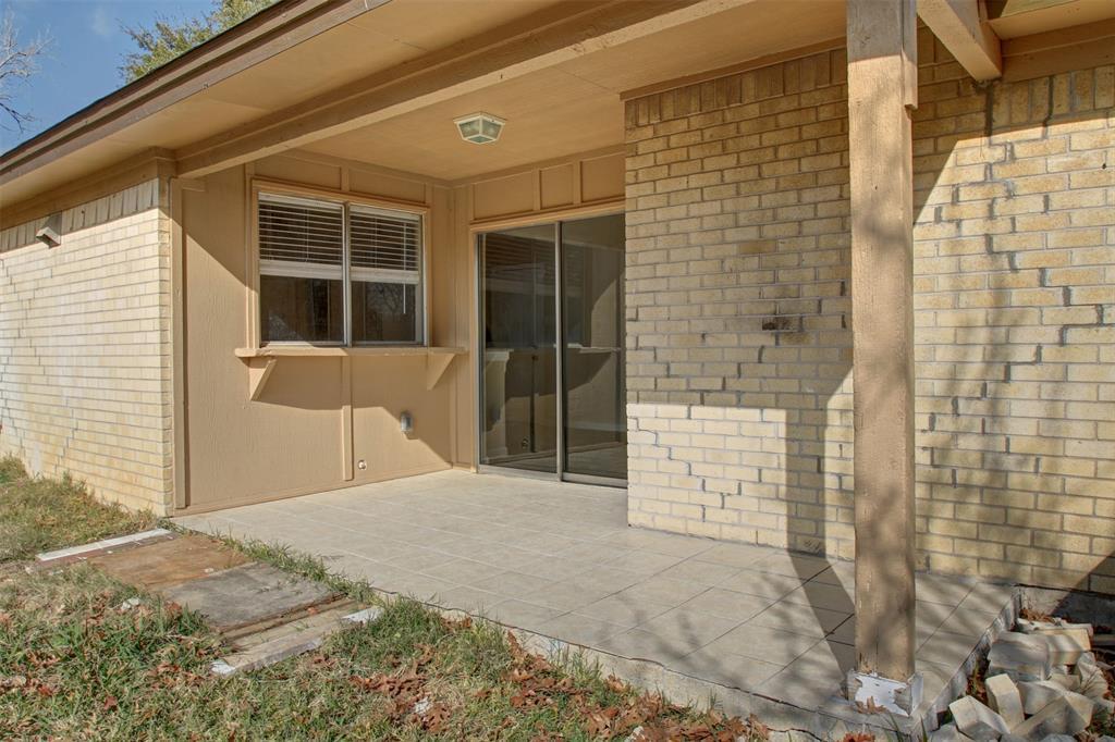 1718 Briar Meadow Drive, Arlington, Texas 76014 - acquisto real estate best new home sales realtor linda miller executor real estate