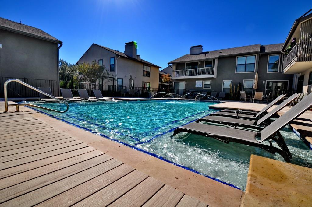 5909 Birchbrook Drive, Dallas, Texas 75206 - acquisto real estate best real estate company in frisco texas real estate showings