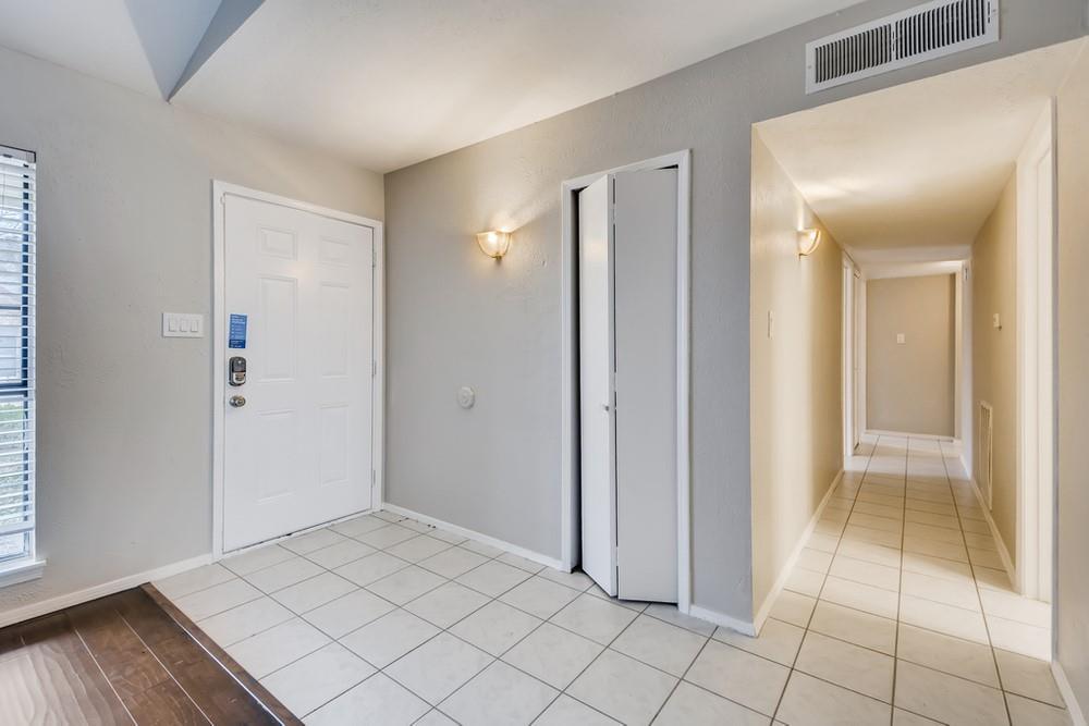 121 Kingsbridge Drive, Garland, Texas 75040 - acquisto real estate best prosper realtor susan cancemi windfarms realtor