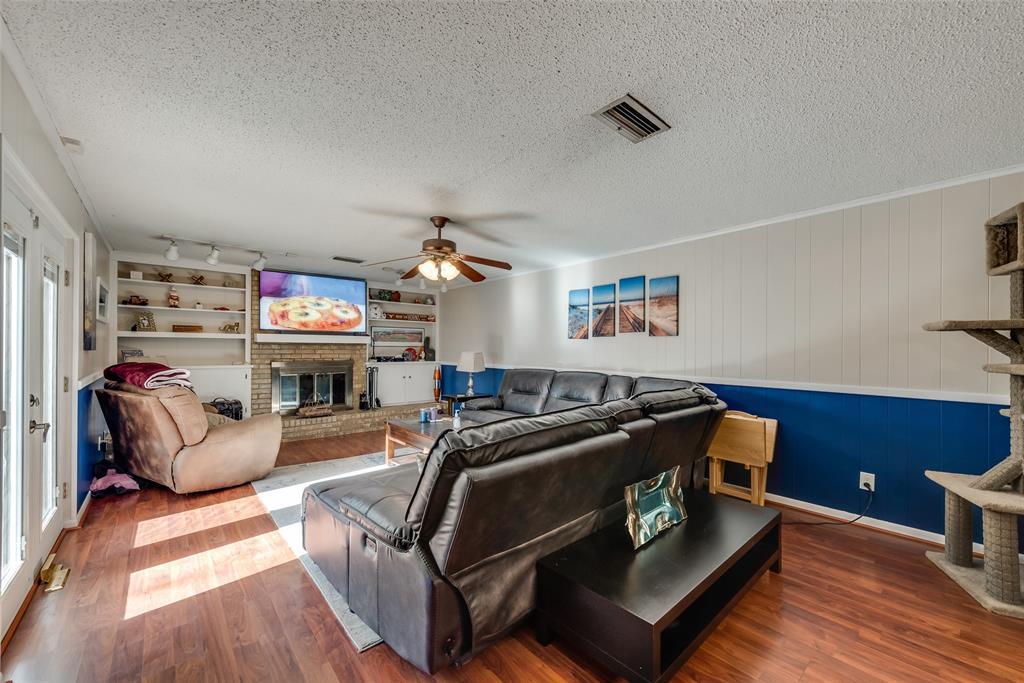 11615 Rogue Way, Dallas, Texas 75218 - acquisto real estate best prosper realtor susan cancemi windfarms realtor