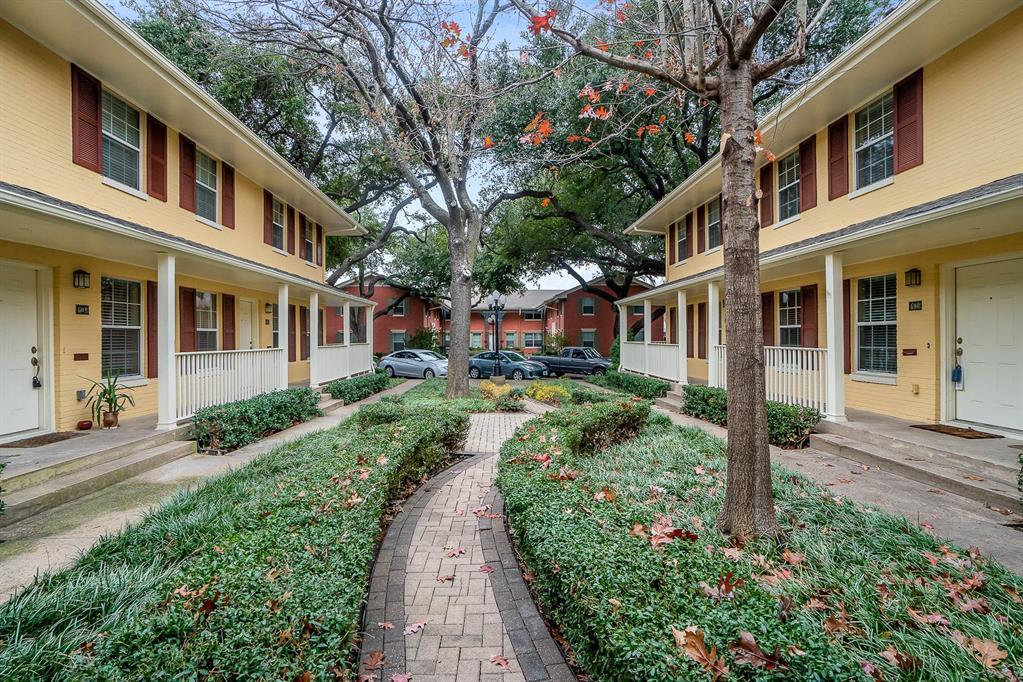 4702 Bradford Drive, Dallas, Texas 75219 - acquisto real estate best negotiating realtor linda miller declutter realtor