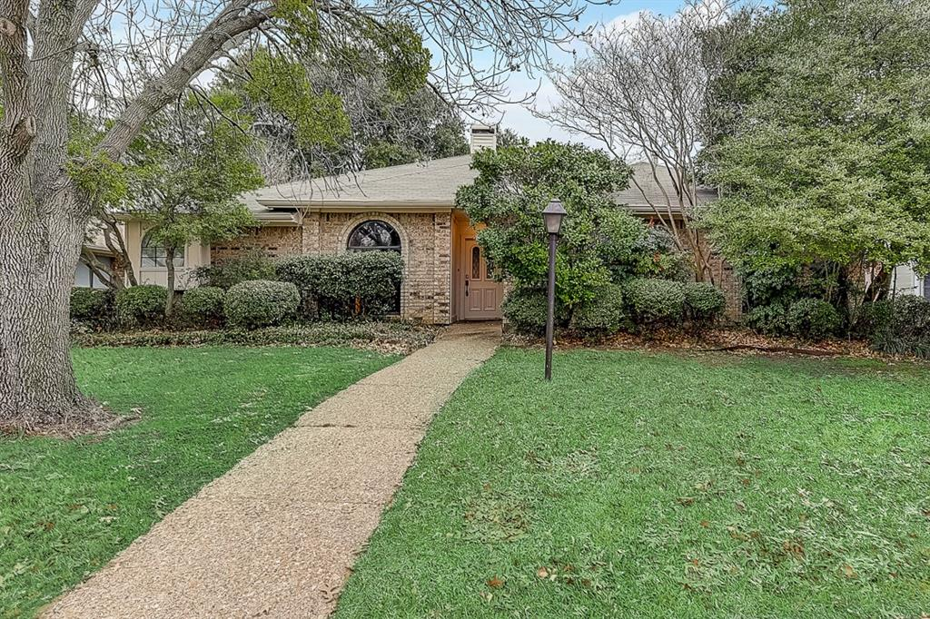 1219 Babbling Brook Drive, Lewisville, Texas 75067 - Acquisto Real Estate best plano realtor mike Shepherd home owners association expert