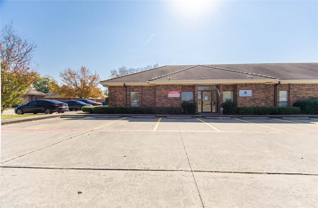 2305 Roosevelt Drive, Dalworthington Gardens, Texas 76016 - acquisto real estate best allen realtor kim miller hunters creek expert