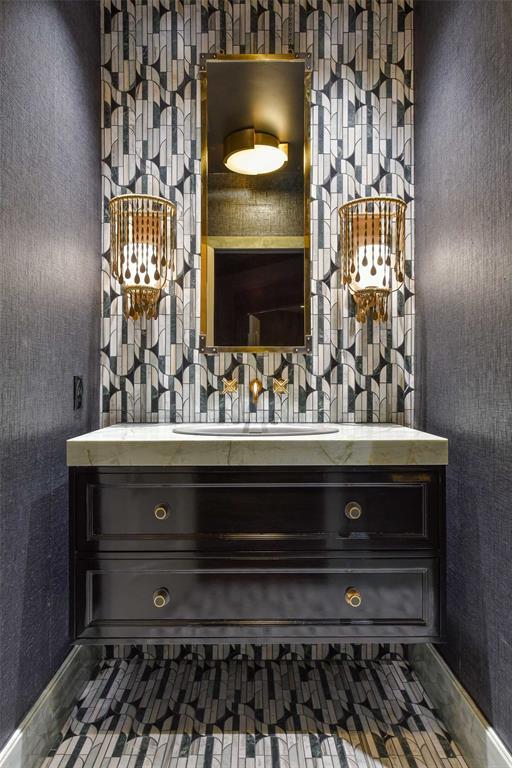 5828 Woodland Drive, Dallas, Texas 75225 - acquisto real estate best negotiating realtor linda miller declutter realtor