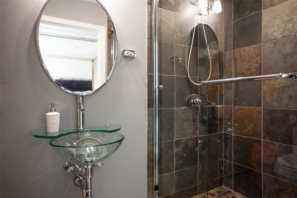 3813 Glenwood Drive, Fort Worth, Texas 76109 - acquisto real estate best negotiating realtor linda miller declutter realtor