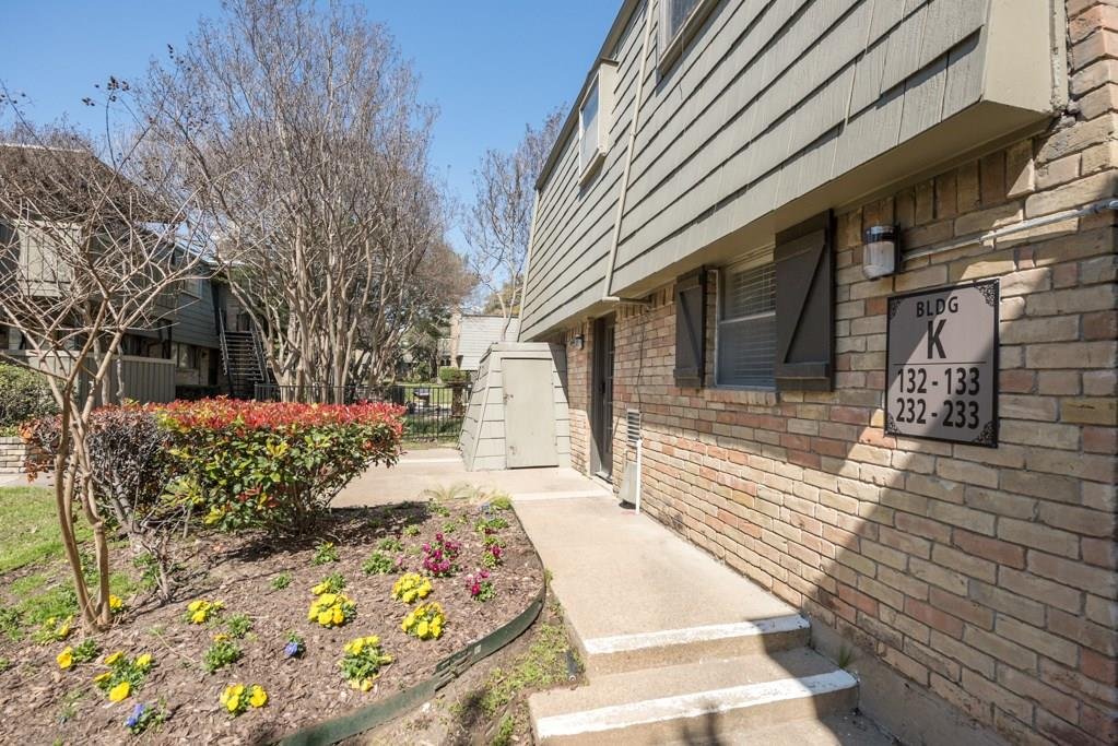 7705 Meadow Park Drive, Dallas, Texas 75230 - acquisto real estate best realtor foreclosure real estate mike shepeherd walnut grove realtor