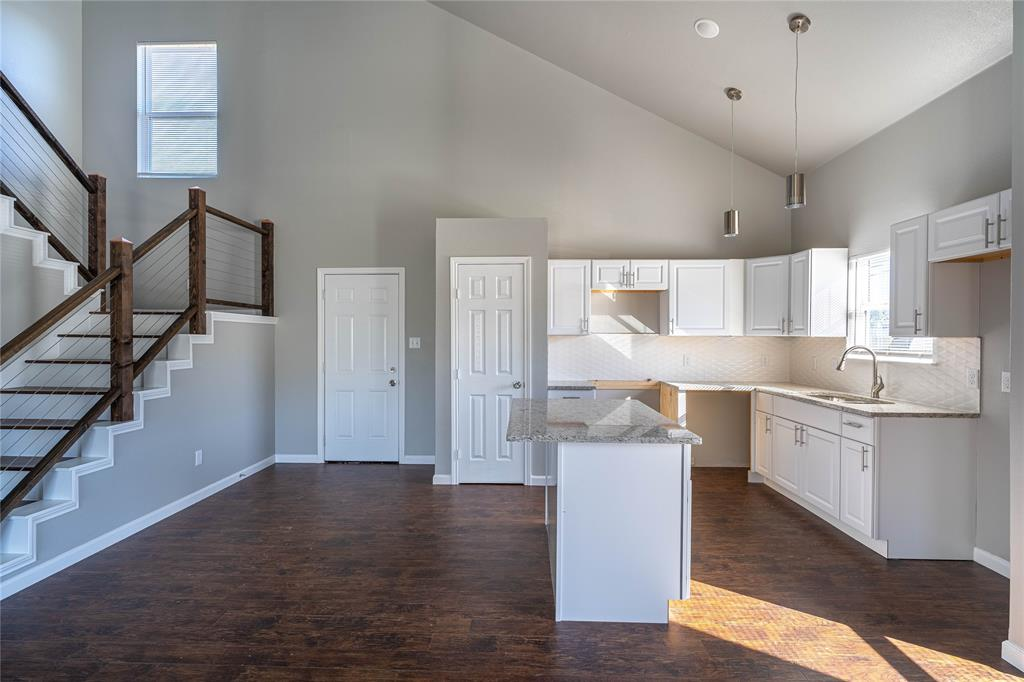 5025 Chapman Street, Fort Worth, Texas 76105 - acquisto real estate best new home sales realtor linda miller executor real estate