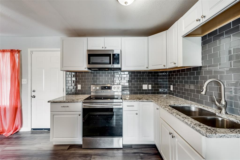 5513 Ramey Avenue, Fort Worth, Texas 76112 - acquisto real estate best highland park realtor amy gasperini fast real estate service