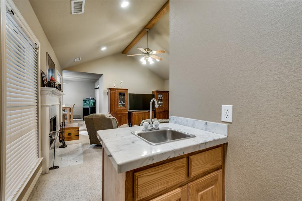 2111 Reverchon Drive, Arlington, Texas 76017 - acquisto real estate best style realtor kim miller best real estate reviews dfw