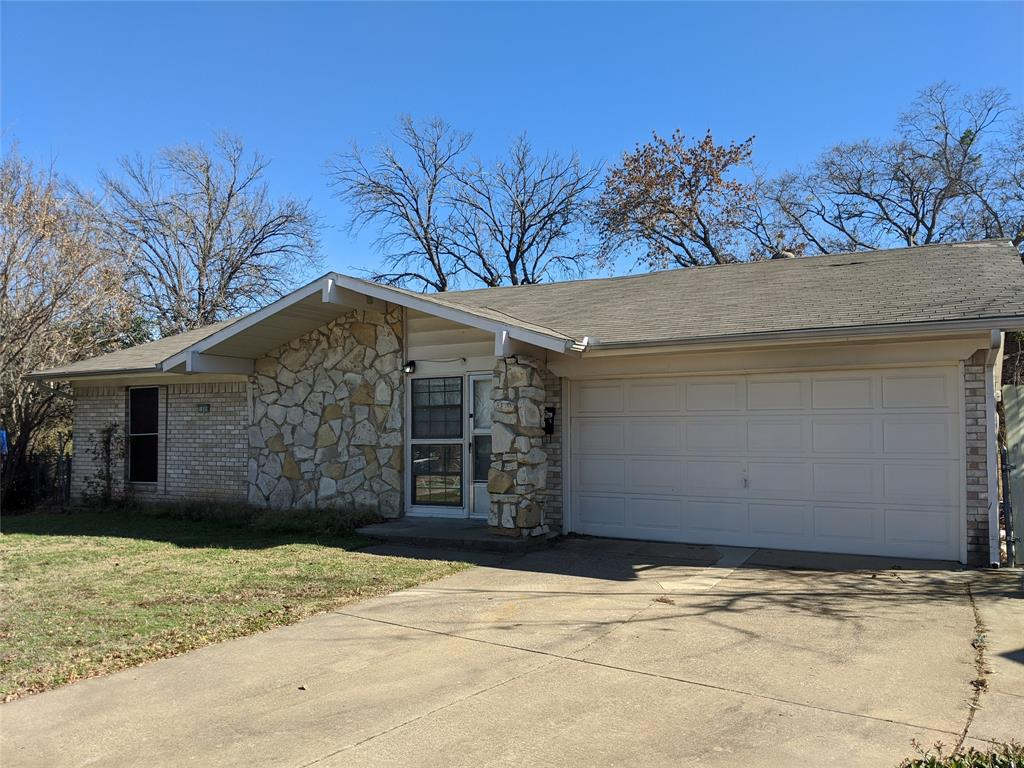 1809 Fernwood Circle, Carrollton, Texas 75006 - Acquisto Real Estate best plano realtor mike Shepherd home owners association expert