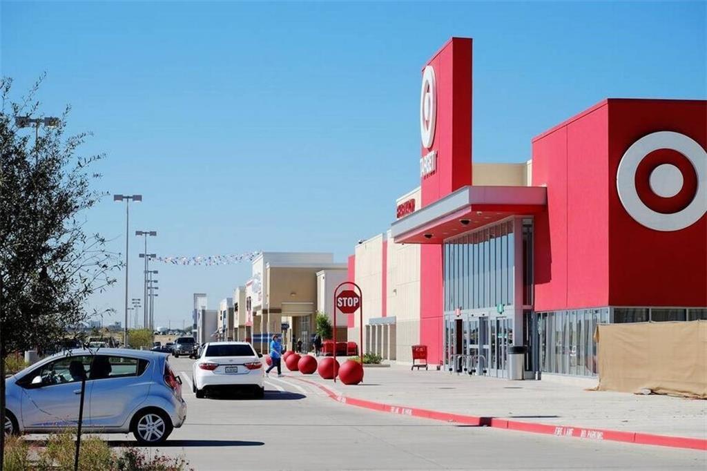 9104 RIDGERIVER Way, Fort Worth, Texas 76131 - acquisto real estate best looking realtor in america shana acquisto