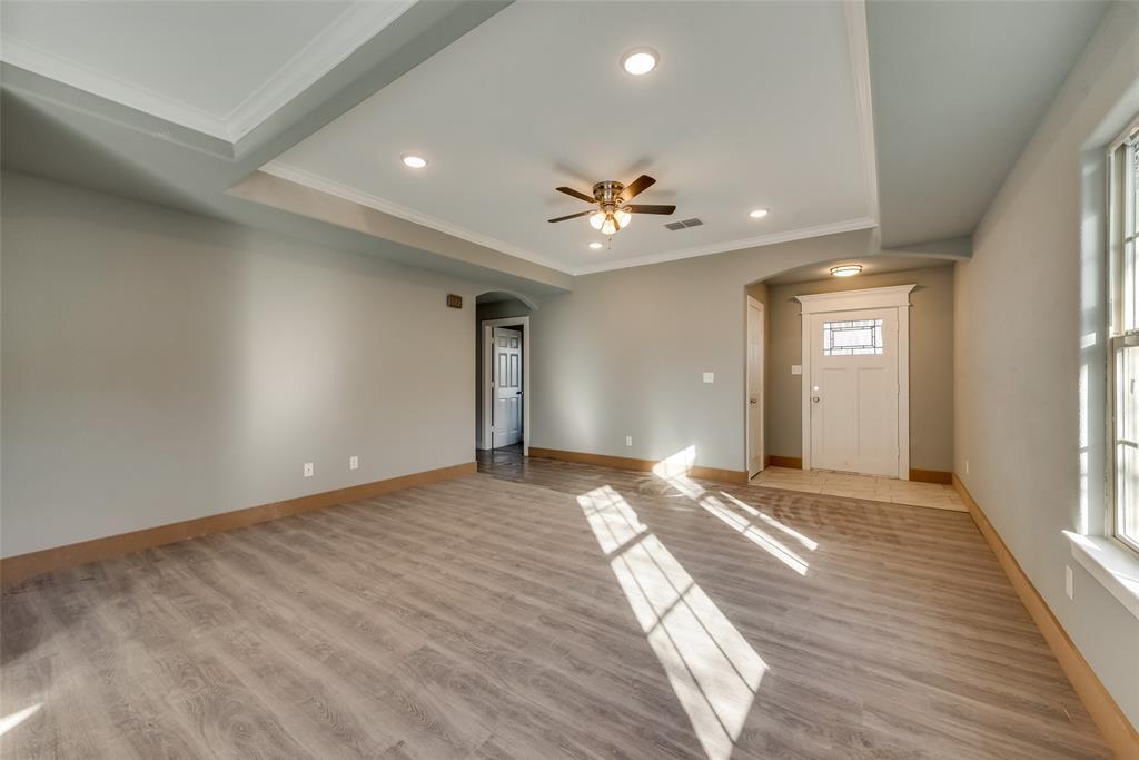 1619 Laura Road, River Oaks, Texas 76114 - acquisto real estate best allen realtor kim miller hunters creek expert