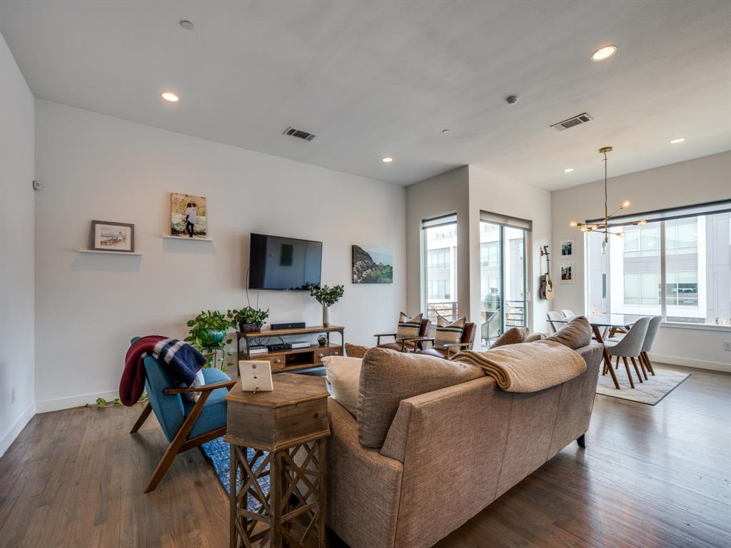 2115 Bennett Avenue, Dallas, Texas 75206 - acquisto real estate best real estate company to work for