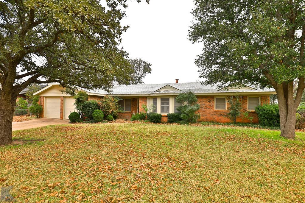 2033 Greenbriar Drive, Abilene, Texas 79605 - Acquisto Real Estate best mckinney realtor hannah ewing stonebridge ranch expert