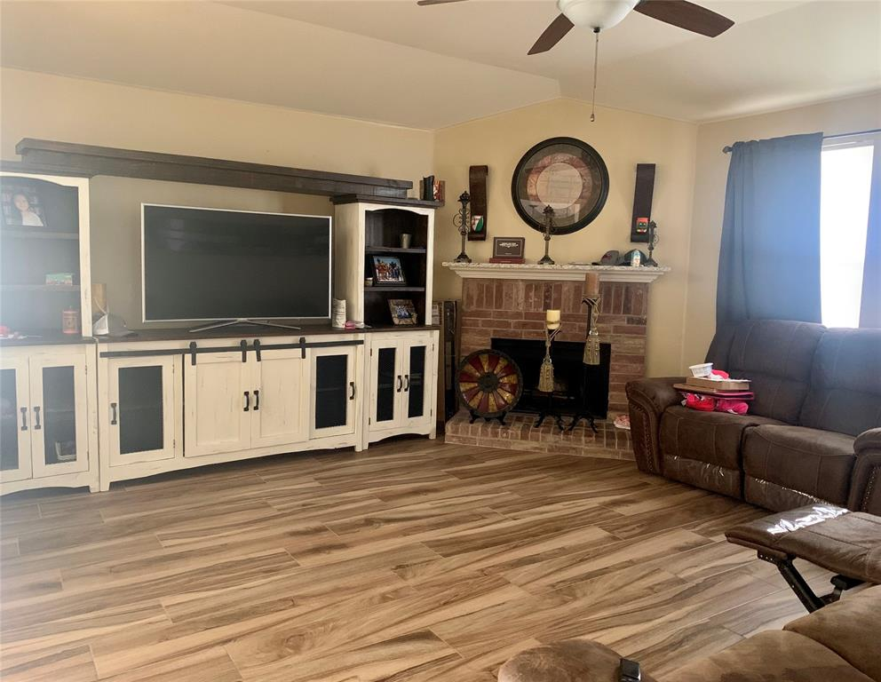 513 Paddle Drive, Crowley, Texas 76036 - Acquisto Real Estate best mckinney realtor hannah ewing stonebridge ranch expert
