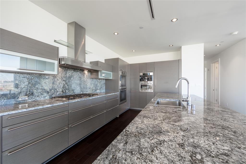 2900 Mckinnon  Street, Dallas, Texas 75201 - acquisto real estate best the colony realtor linda miller the bridges real estate