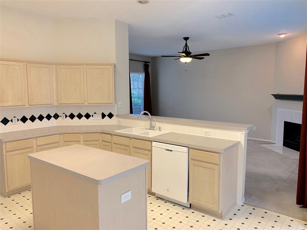 10900 Brandenberg Drive, Frisco, Texas 75035 - acquisto real estate best celina realtor logan lawrence best dressed realtor