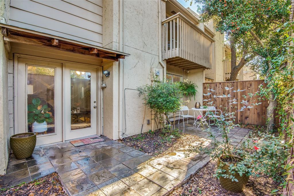 9030 Emberglow Lane, Dallas, Texas 75243 - acquisto real estate best realtor westlake susan cancemi kind realtor of the year