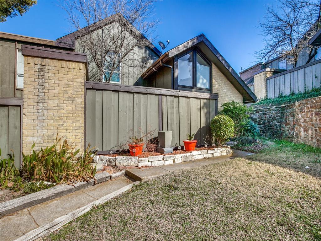 4627 Country Creek Drive, Dallas, Texas 75236 - acquisto real estate best realtor dfw jody daley liberty high school realtor