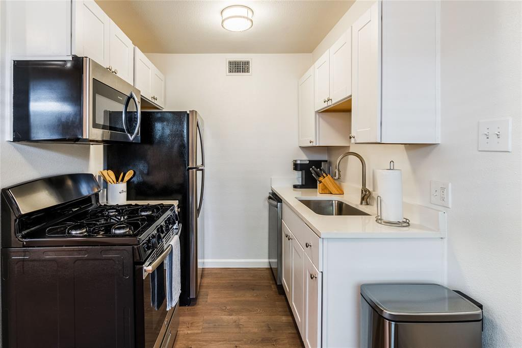 4927 San Jacinto Street, Dallas, Texas 75206 - acquisto real estate best celina realtor logan lawrence best dressed realtor