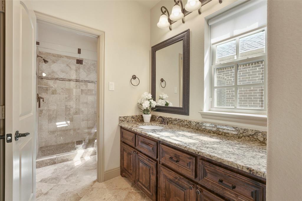 1054 Shadyside Lane, Dallas, Texas 75223 - acquisto real estate best negotiating realtor linda miller declutter realtor