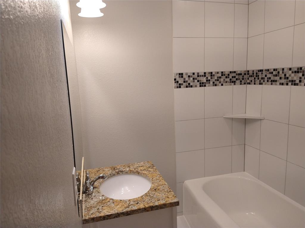 2912 Springdale Road, Fort Worth, Texas 76111 - acquisto real estate best new home sales realtor linda miller executor real estate