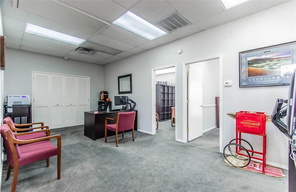 2305 Roosevelt Drive, Dalworthington Gardens, Texas 76016 - acquisto real estate best new home sales realtor linda miller executor real estate