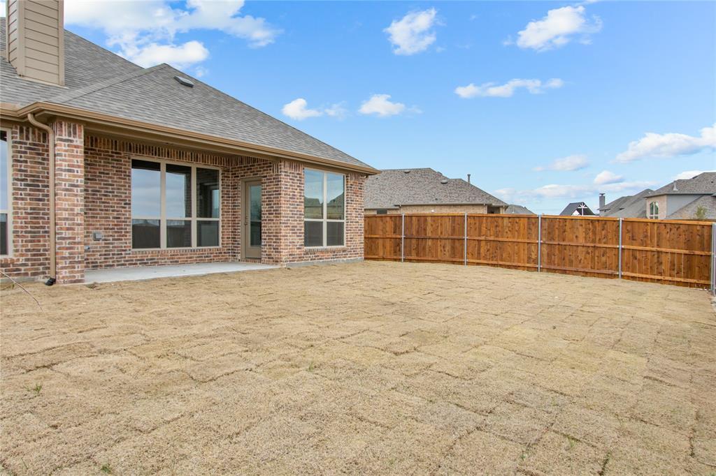 1528 Jocelyn Drive, Fort Worth, Texas 76052 - acquisto real estate best negotiating realtor linda miller declutter realtor