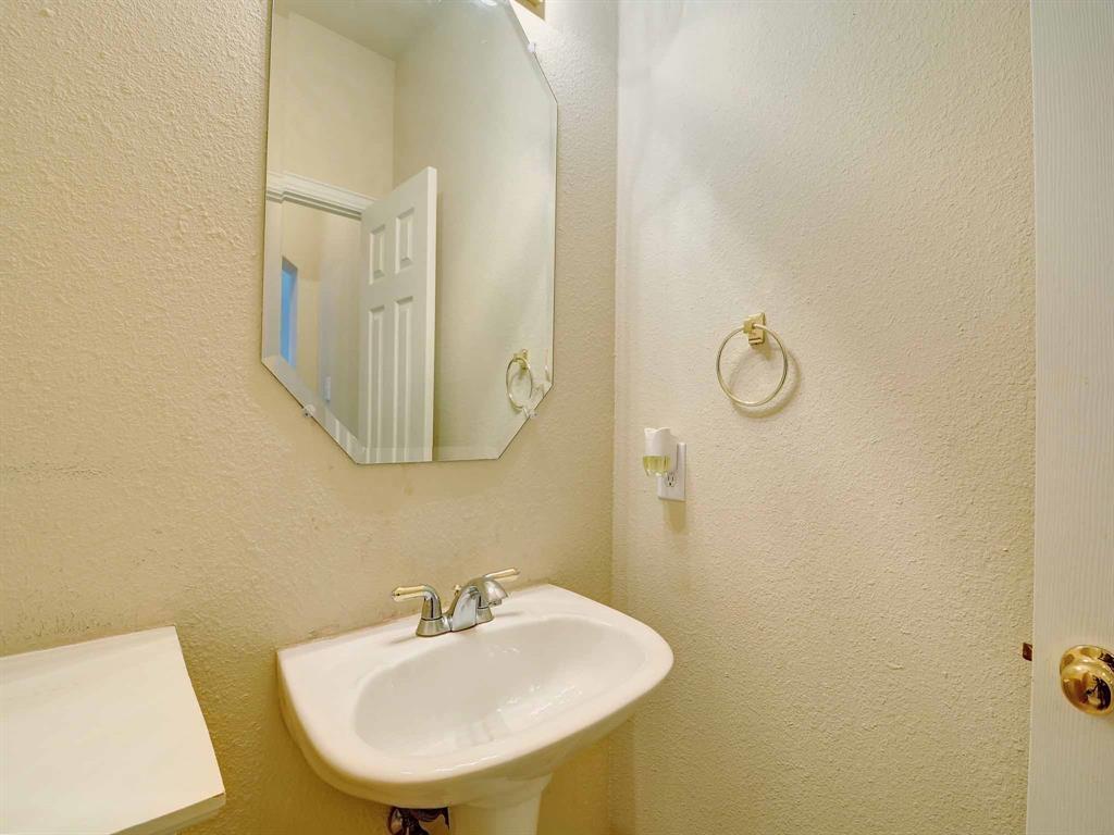 616 Daisy Drive, DeSoto, Texas 75115 - acquisto real estate best highland park realtor amy gasperini fast real estate service