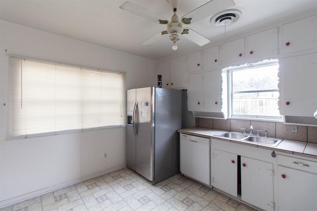3404 Baylor Street, Fort Worth, Texas 76119 - acquisto real estate best celina realtor logan lawrence best dressed realtor