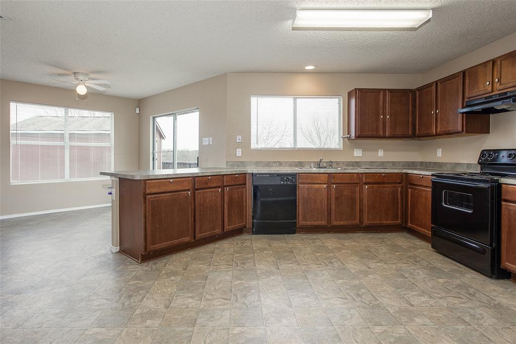 8304 Cutter Hill Avenue, Fort Worth, Texas 76134 - acquisto real estate best allen realtor kim miller hunters creek expert