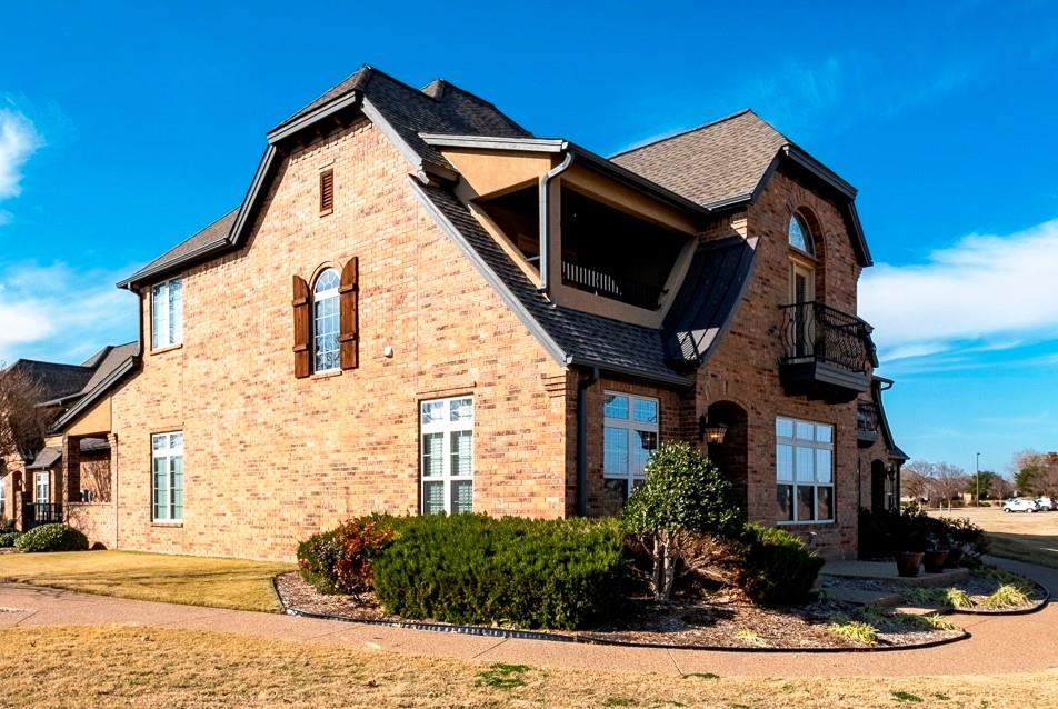 2200 Herons Nest Drive, Granbury, Texas 76048 - acquisto real estate best luxury home specialist shana acquisto
