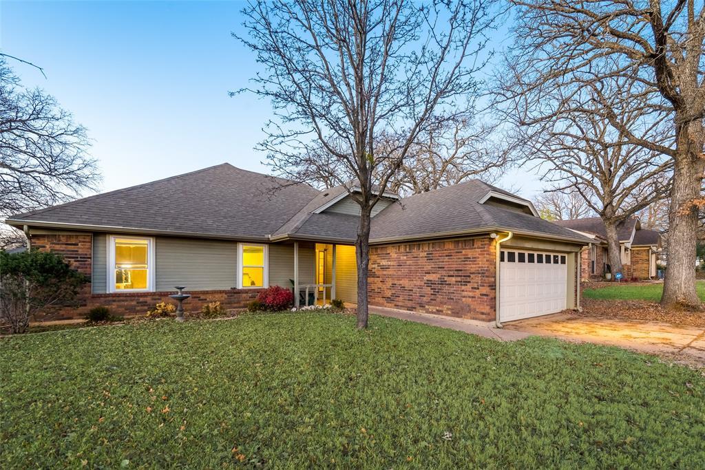 2111 Reverchon Drive, Arlington, Texas 76017 - acquisto real estate best allen realtor kim miller hunters creek expert