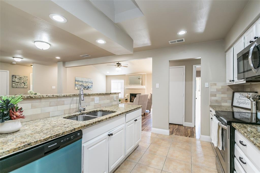 321 Chambers Creek Drive, Everman, Texas 76140 - acquisto real estate best new home sales realtor linda miller executor real estate