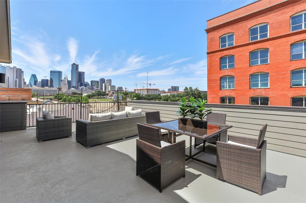 1552 Cosette Drive, Dallas, Texas 75215 - Acquisto Real Estate best frisco realtor Amy Gasperini 1031 exchange expert