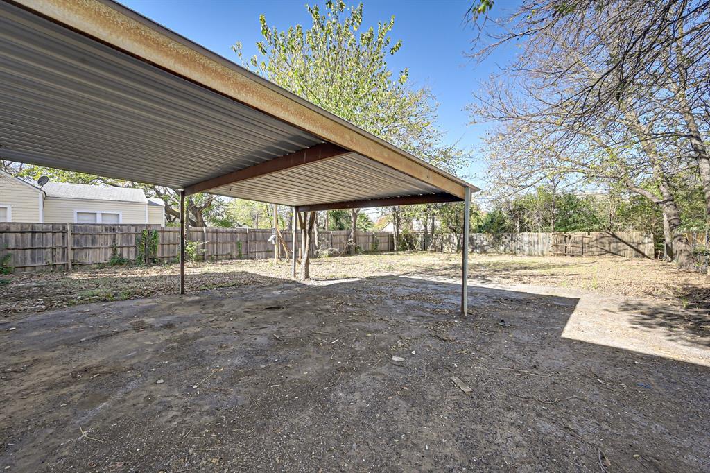 4409 Morris Court, Fort Worth, Texas 76103 - acquisto real estate best negotiating realtor linda miller declutter realtor