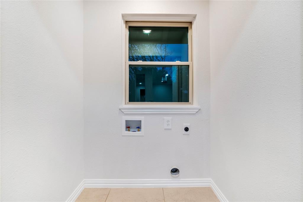 1805 Viewcrest Drive, Dallas, Texas 75228 - acquisto real estate best realtor foreclosure real estate mike shepeherd walnut grove realtor