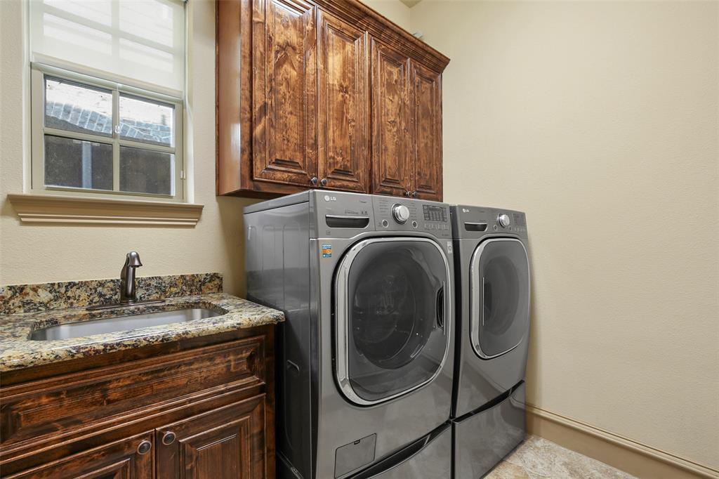1054 Shadyside Lane, Dallas, Texas 75223 - acquisto real estate best looking realtor in america shana acquisto