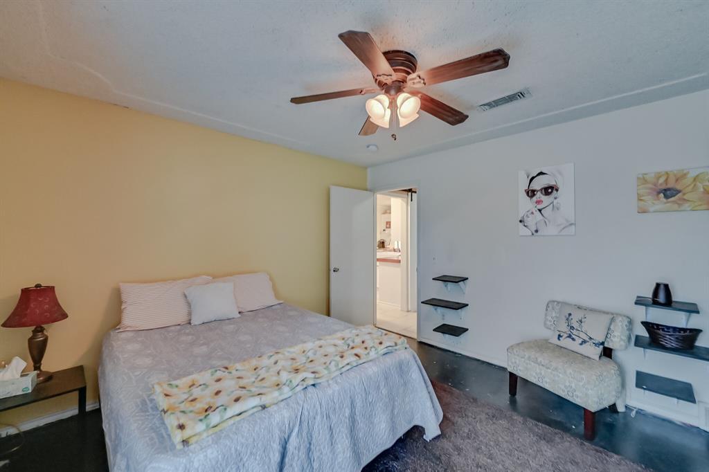 401 Country Club Drive, Joshua, Texas 76058 - acquisto real estate best realtor dfw jody daley liberty high school realtor