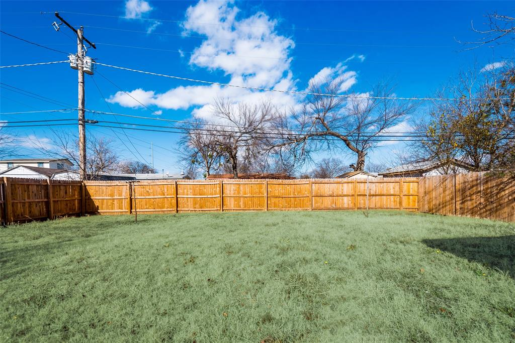 5513 Ramey Avenue, Fort Worth, Texas 76112 - acquisto real estate best realtor foreclosure real estate mike shepeherd walnut grove realtor