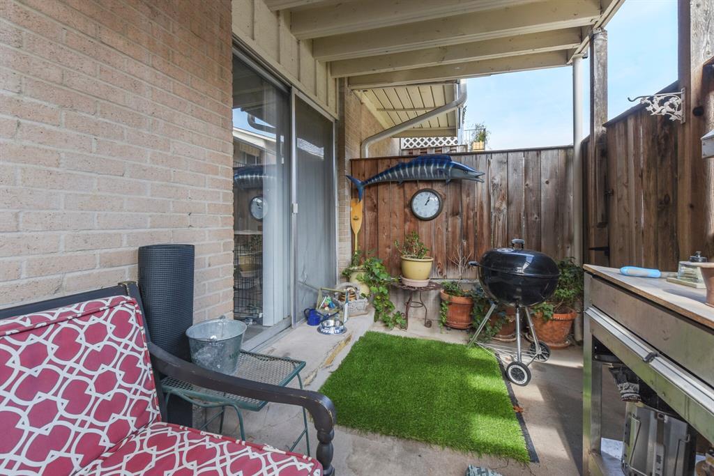 15914 Stillwood Street, Dallas, Texas 75248 - acquisto real estate best investor home specialist mike shepherd relocation expert