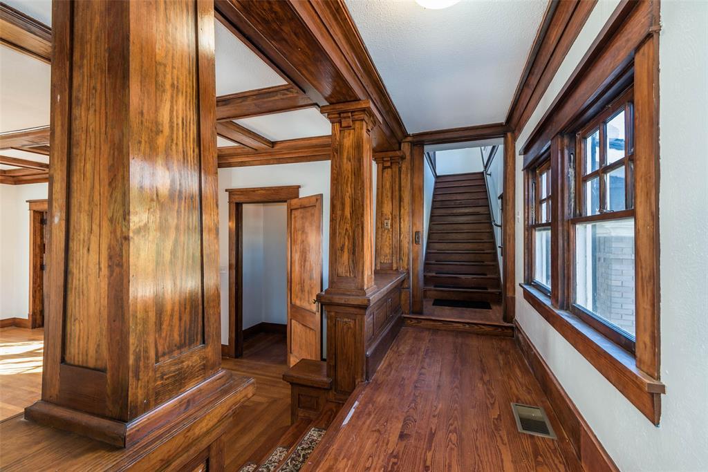 602 Travis Street, Sherman, Texas 75090 - acquisto real estate best highland park realtor amy gasperini fast real estate service