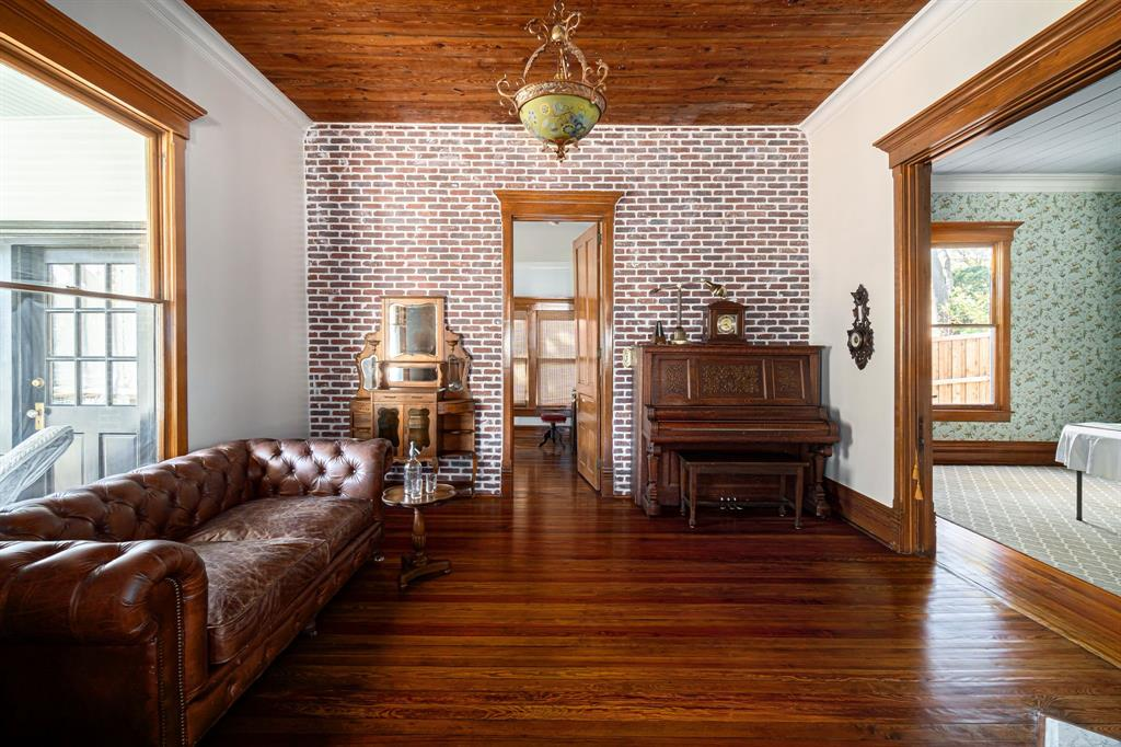 504 Virginia Street, McKinney, Texas 75069 - acquisto real estate best celina realtor logan lawrence best dressed realtor