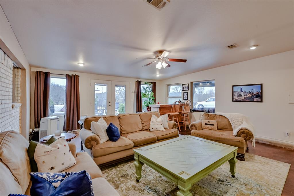 401 Country Club Drive, Joshua, Texas 76058 - acquisto real estate best investor home specialist mike shepherd relocation expert