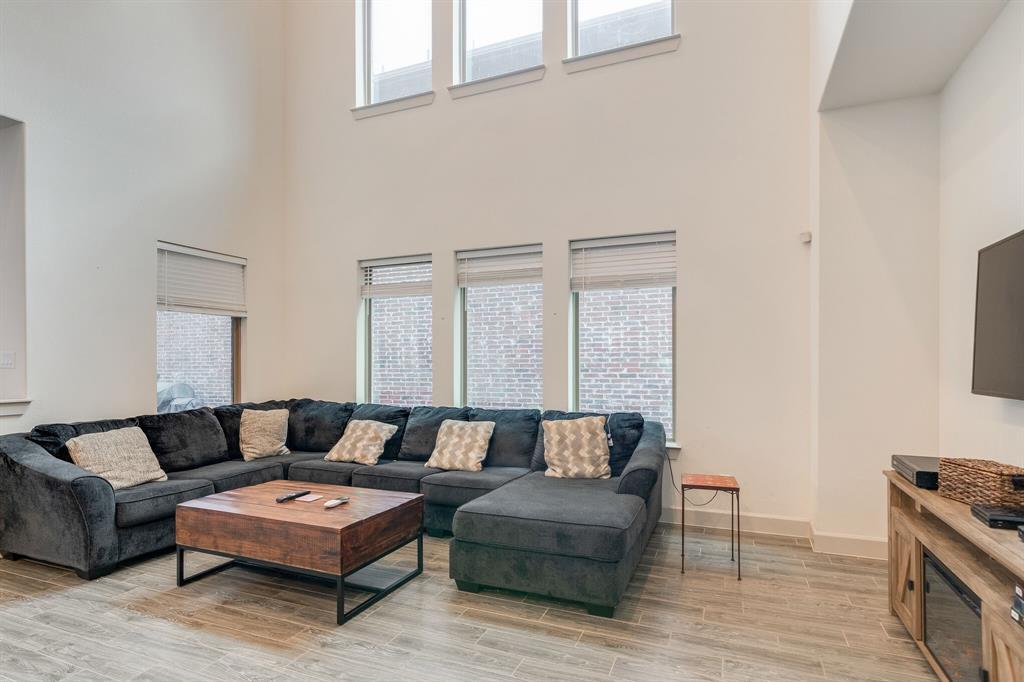 4506 Spanish Indigo Lane, Arlington, Texas 76005 - acquisto real estate best real estate company to work for