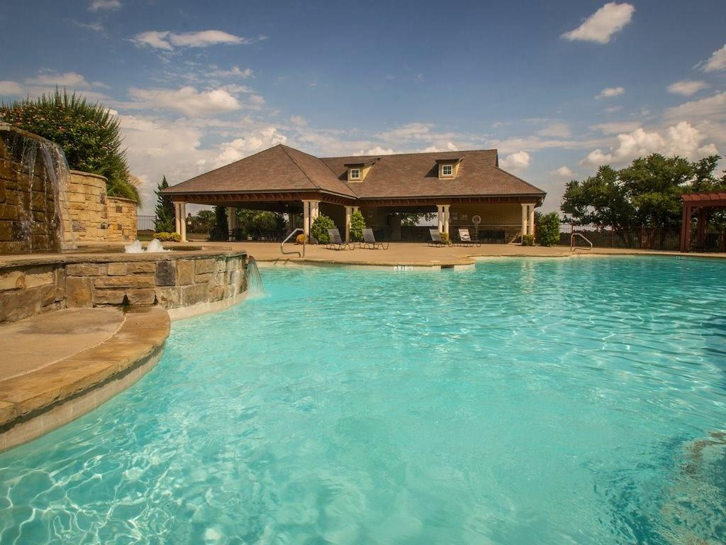 8308 Darley Court, Cleburne, Texas 76033 - acquisto real estate best real estate company to work for