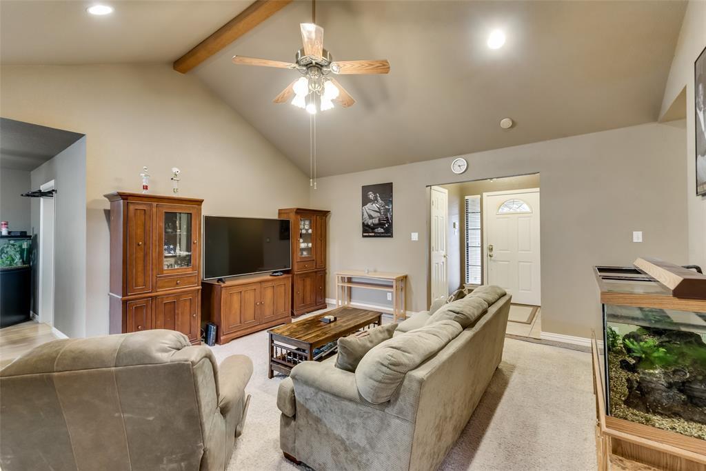 2111 Reverchon Drive, Arlington, Texas 76017 - acquisto real estate best real estate company in frisco texas real estate showings