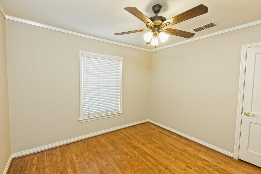 6324 Bordeaux Avenue, Dallas, Texas 75209 - acquisto real estate best negotiating realtor linda miller declutter realtor