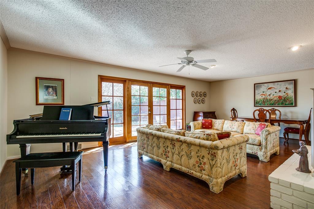 6840 Whitehill Street, Dallas, Texas 75231 - acquisto real estate best celina realtor logan lawrence best dressed realtor